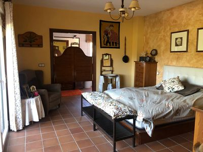 Photo for Great villa in the countryside 30 minutes from Madrid