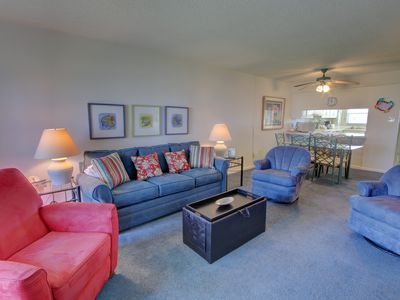 Photo for 2BR / 2BA - Centrally located with a view of the Gulf