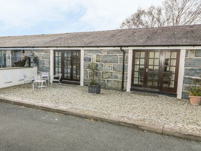 Photo for MARITIME MEWS, 6 THE OAKLEYS, pet friendly in Porthmadog, Ref 14809