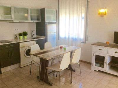 Photo for COSY APARTMENT FOR 6 NEAR THE BEACH AND DOWNTOWN.