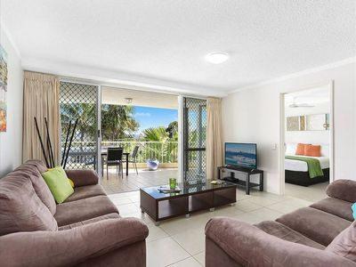 Photo for 2 bedroom apartment, right between Hastings Street and Noosa Junction.