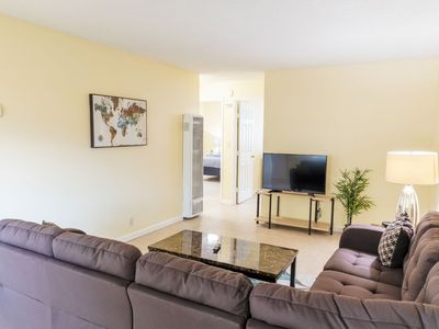 Photo for ★ Bright 2-Bedroom 15 mins from San Jose Aiport ★
