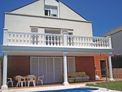 Photo for Vacation home Miralrio  in Rivas - Vaciamadrid, Madrid - 8 persons, 5 bedrooms