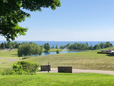 Photo for Scenic bay view w/full kitchen, access to clubhouse amenities - family-friendly