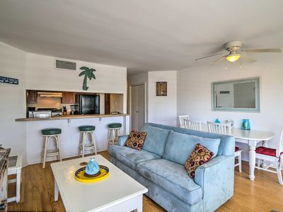 Photo for South Padre Resort Condo - Walk to Schlitterbahn!
