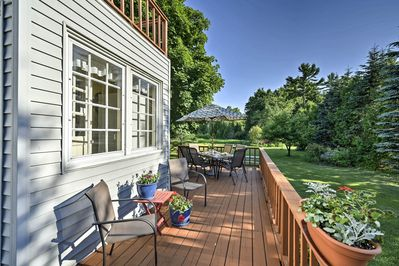 This 3-bed, 1.5-bath vacation rental house is suitable for 8 travelers.