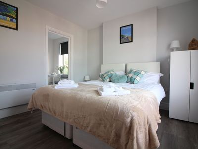 Photo for Diamond - Southbourne Grove Villa Apartment 3