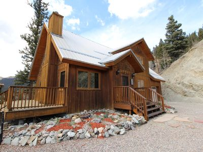 Photo for Charming mountain location home