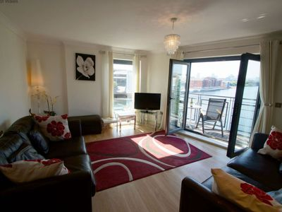 Photo for Apartment Cardiff View in Cardiff - 4 persons, 2 bedrooms