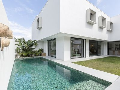Photo for BEAUTIFUL ARCHITECT VILLA WITH PISICON IN ABSOLUTE CALM AND CLOSE TO THE SEA