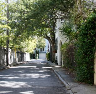 Photo for Live like a Local in the heart of the Historic District - Walk Everywhere!
