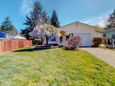 Photo for NEW LISTING! Family friendly home near downtown Tacoma w/ WiFi & full kitchen!