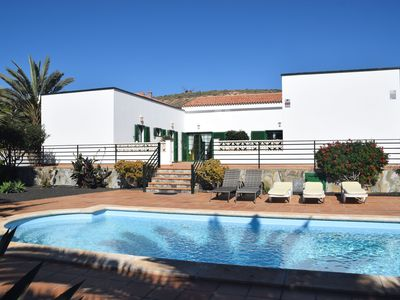 Photo for Spacious villa with good location in the north, just 15 min from the beach