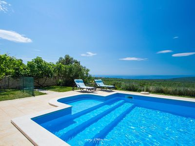 Photo for Beautiful new villa on quiet location near the Sea