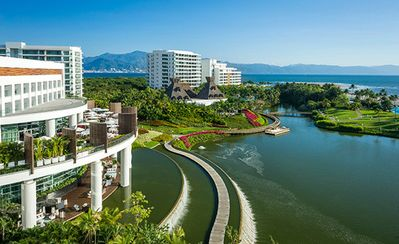 Photo for Luxury Resort, Weekly Stay