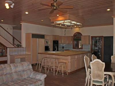 kitchen with 6 ft  by 10 ft  island adjoining the great room gorgeous home 4 bedroom on bald eagle      homeaway lakeside  rh   homeaway com