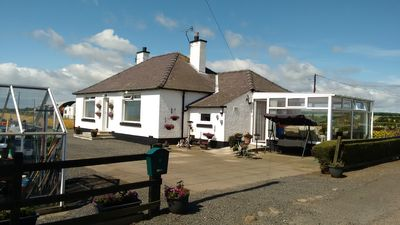 Photo for Lovely country bungalow in rural setting near St Andrews.  Ideal for golfers.
