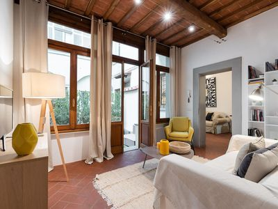 Photo for Private courtyard in Santa Croce Florence