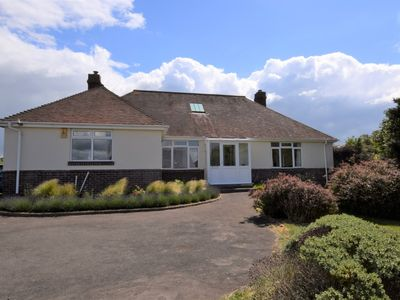 Photo for 3 bedroom Cottage in Totland Bay - IC110