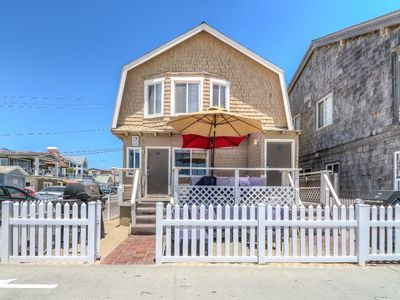 "Photo for ""Surf Cottage"" (Lower), The Oceanfront And Boardwalk Beach Vacation Legend"