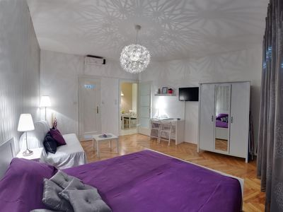 Photo for Studio apartment in the center of Zagreb with Air conditioning, Lift, Washing machine (966878)