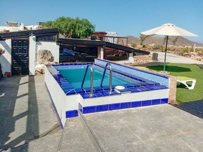 Photo for Holiday cottage with private pool in Puerto del Rosario