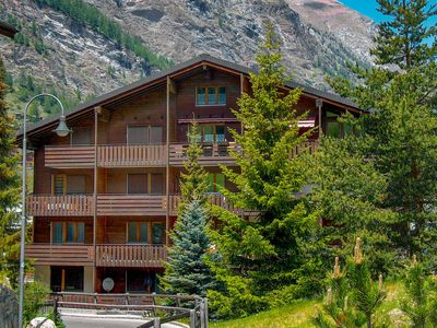 Photo for Apartment Sungold in Zermatt - 2 persons, 1 bedrooms