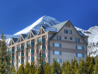 Photo for Lovely Big Sky Resort Penthouse! Ski-in/Ski-Out, Heated Pool, Spa, Fireplace