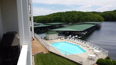 Photo for Overlooks Pool/walk-in Level/free WIFI &14 X 40 Boat slip when available