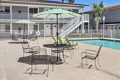 You'll love this condo's prime location, situated mere steps from the pool and beach!