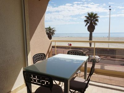 Photo for Apartment 4 pers with terrace seafront Canet Plage
