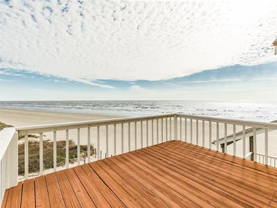 Gorgeous beach view from the deck!