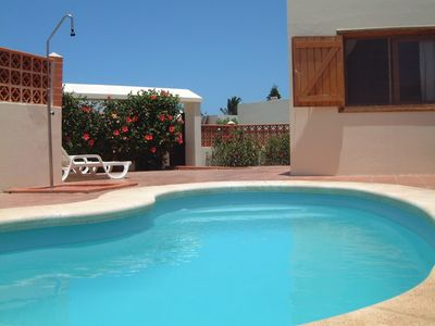 "Photo for Villa with ""heated pool"" , 300 megabyte Wifi and Netflix - 100 metres from beach"