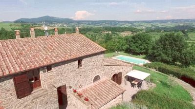 Photo for Delightful apartment OLIVO 5 + 2 places in Val d'Orcia (Siena) - Swimming pool