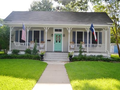 Photo for 2 Bedroom Cottage walking distance to Downtown Brenham
