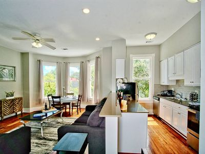 Photo for 416B Waldburg st · 2 Bed Luxury in Downtown Savannah