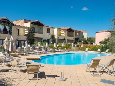 Photo for Two-room apartment facing the pool in an elegant setting just 2 km from the sea