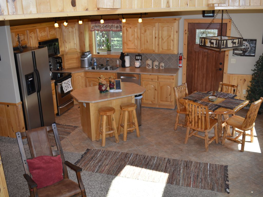 macks inn chat sites 1-800-844-3246 home idaho lodging destinations vacation packages & deals activities group travel  macks inn area, elk crk area, around town view all .