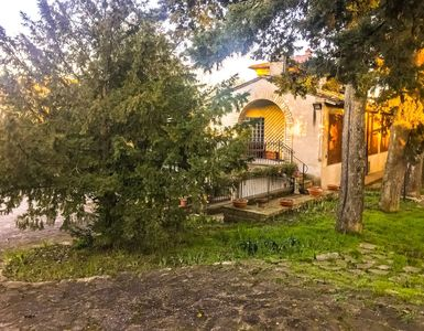 Photo for Independent Villa with Garden and Parking in Perugia