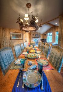 Dining room table can  fit 10 people & large platters-credit Phyllis Burchett
