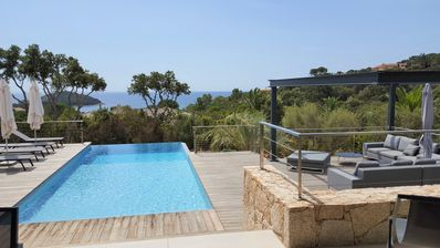 Photo for Magnificent villa in private domain, swimming pool, beautiful sea view, 2 minutes from the beach