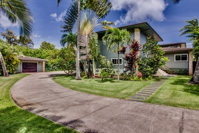 Beachfront, spacious, great views, A|C,1 acre garden, gated - Haleiwa