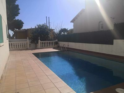 Photo for Family villa with pool, BBQ 1.5km from the beach