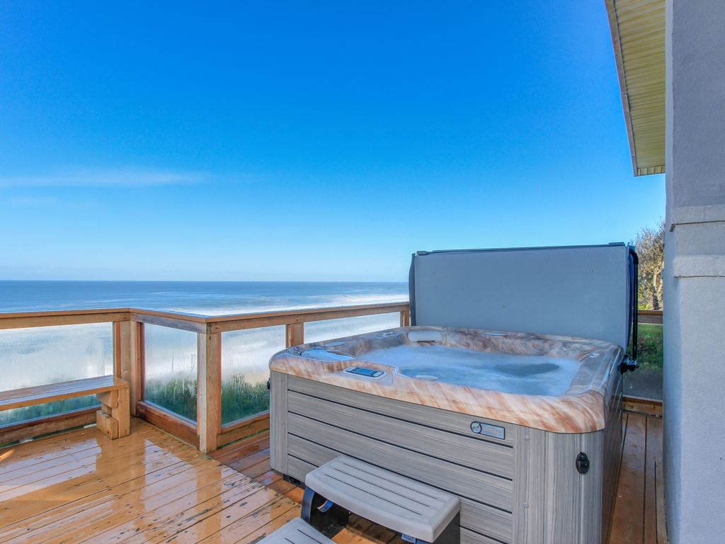 Oceanfront Home W Private Hot Tub Terrific Views And E For 16 Guests Gleneden Beach