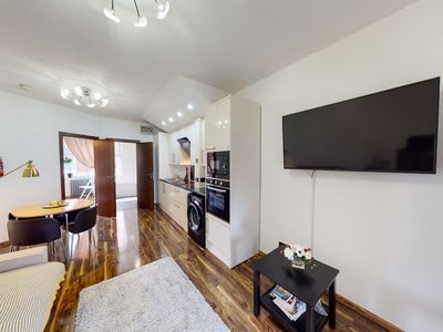 Photo for CORONA FREE - Amazing 3 Bed Flat in Paddington for up to 6 people
