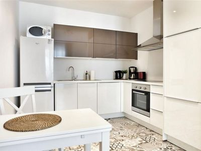 Photo for Spacious Top Spot Residence 6 apartment in Brussels Centre with WiFi & lift.