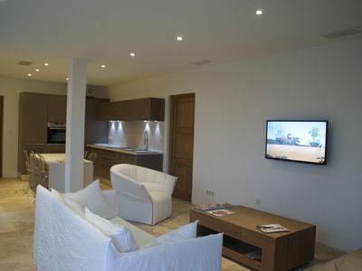 Photo for Luxury contemporary house, 30 m beach, fully air conditioned.