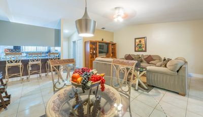 Pela 2, Near all Theme Parks Downtown,10 min from main airport,Full Sail and UCF
