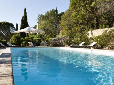 Photo for Lovely quite house in Provence/Luberon with large pool, views and gardens