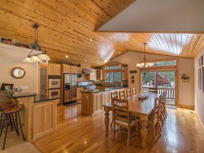 Photo for ★Spacious 4 Bedroom Family-Friendly House ★ on the golf course ★ Truckee promo